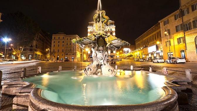 Plaza Barberini | Fuente del Tritón | Fuente de las Abejas