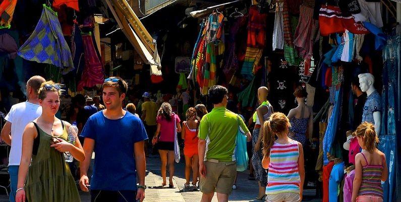 De sorprendentes compras por el Flea Market de Atenas