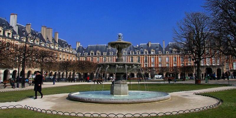 Place des Vosges, París
