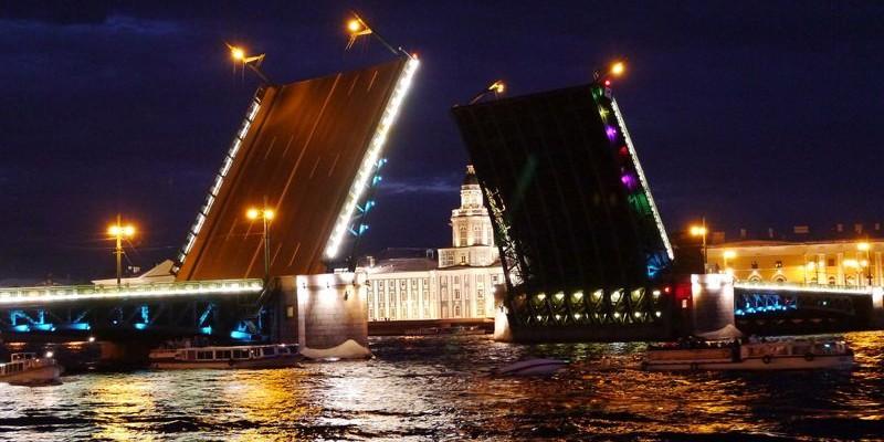 Los puentes en San Petersburgo