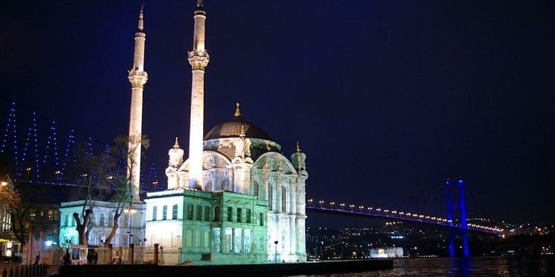 Mezquita de Ortaköy, Estambul