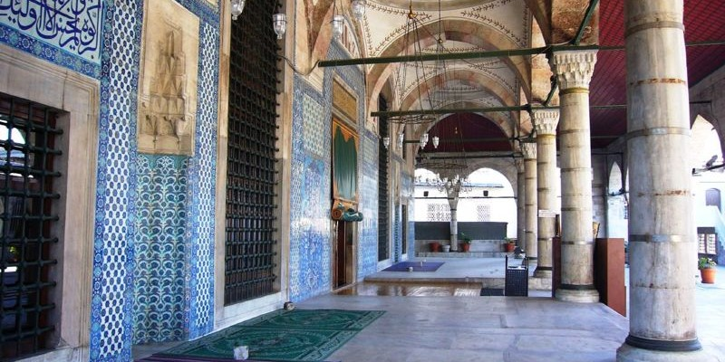 Mezquita de Rüstem Pasa, Estambul