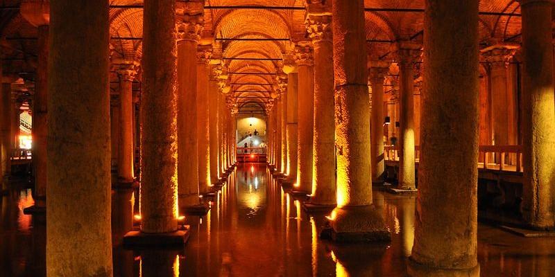 Palacio Sumergido o Cisterna Basílica, Estambul