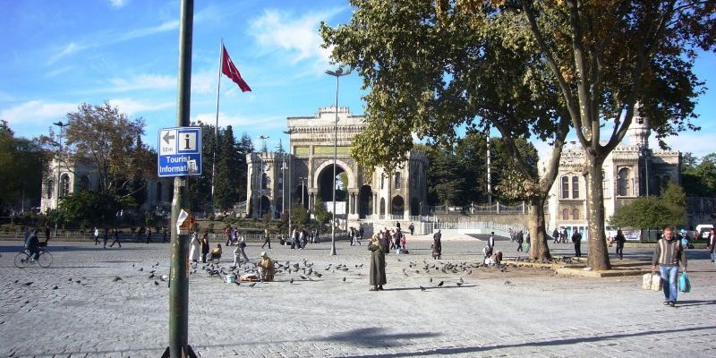 Plaza Beyazit, Estambul